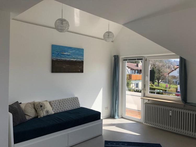 Foto vom hellen Wohnzimmer